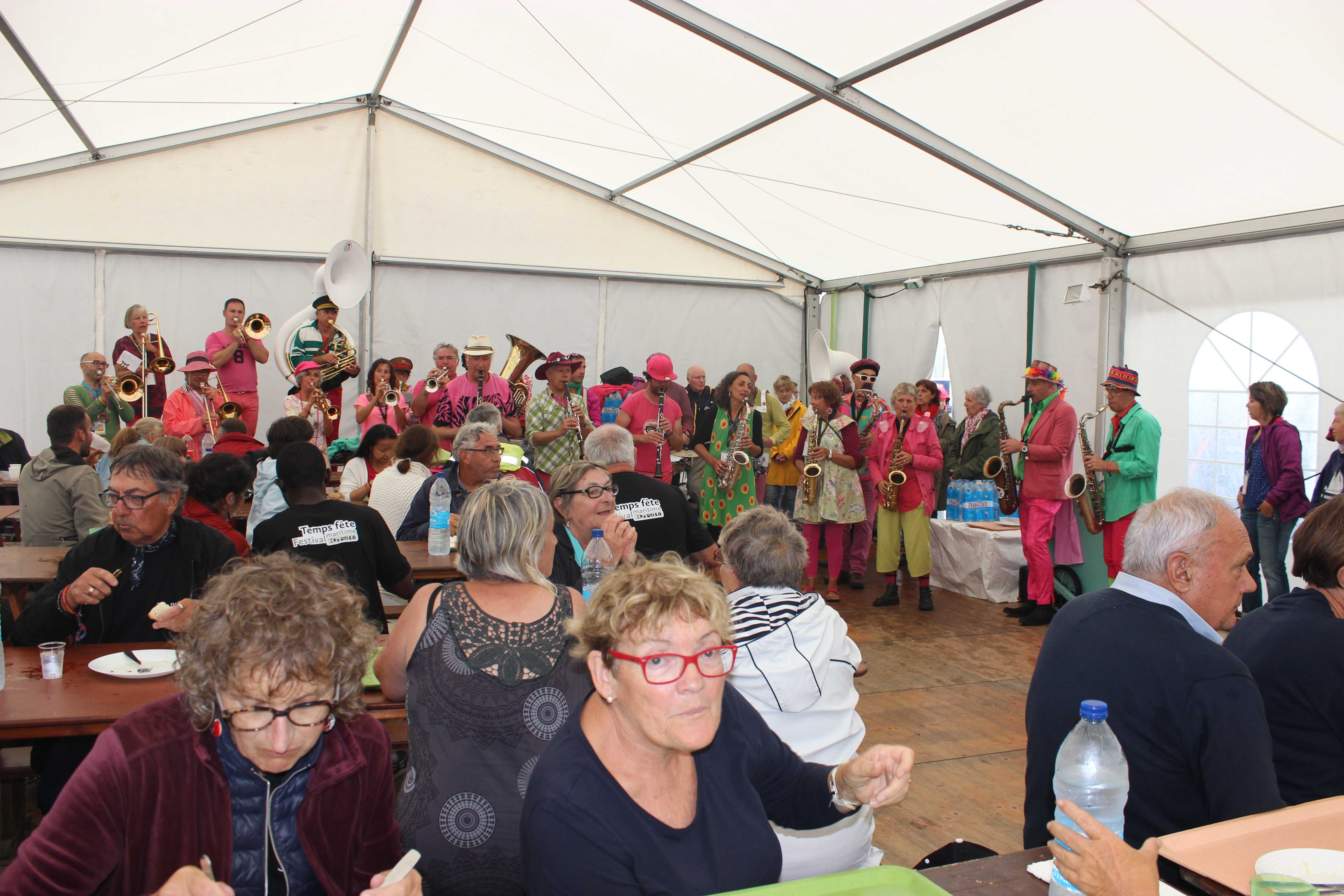 festival, douarnenez, bénévoles, musique